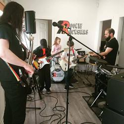 Kirkintilloch Gala rehearsals with the stars of Rookie Rockstars music school.