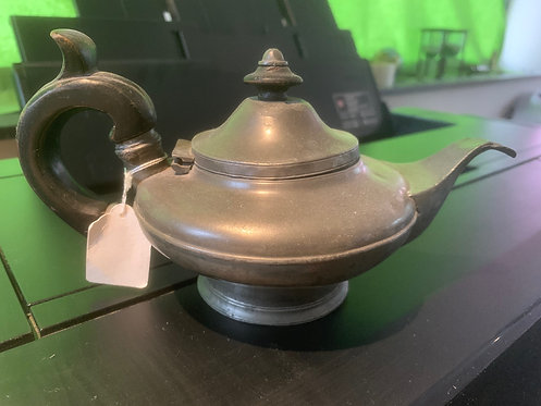 Pretty little pewter teapot - Sheffield made