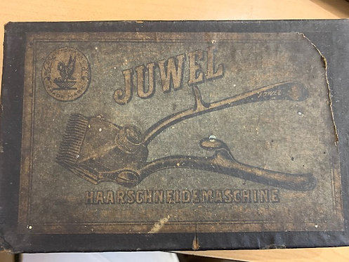 Early 20th C (1919?) JUWEL manual hair clippers in original box.