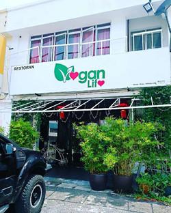 Vegan Life (Vegetarian)