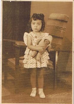 This is Johanna List aged 2 or 3.jpg
