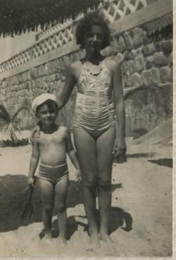 Niko and Katja Sifnaghel -- Playas