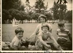 Ralph Grunewald, Ilse Grunewald (nee Koppel), Peggy Grunewald, Fred Grunewald -- 1958.jpg