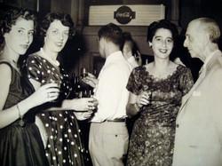 From left_ Edith Koppel (nee Wellisch), Ilse Grunewald (nee Koppel), Gert Koppel (back to camera), G