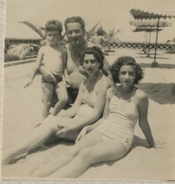 Sifnaghel family at Hotel Humboldt -- Playas