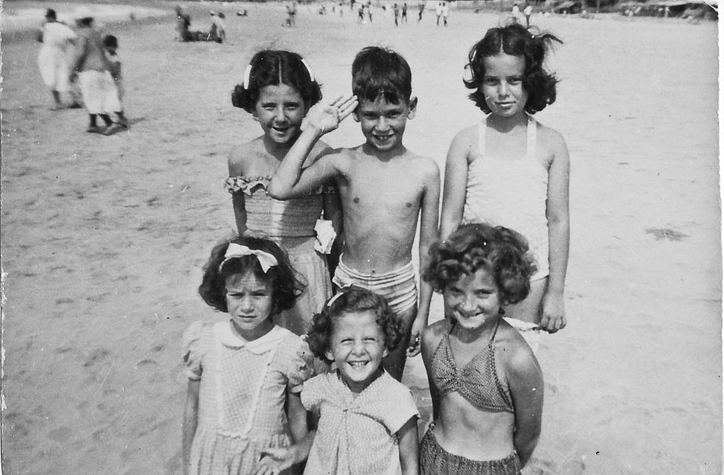 Playas, probably 1947 or 1948. John _Puli_ Fried in back, center.jpg