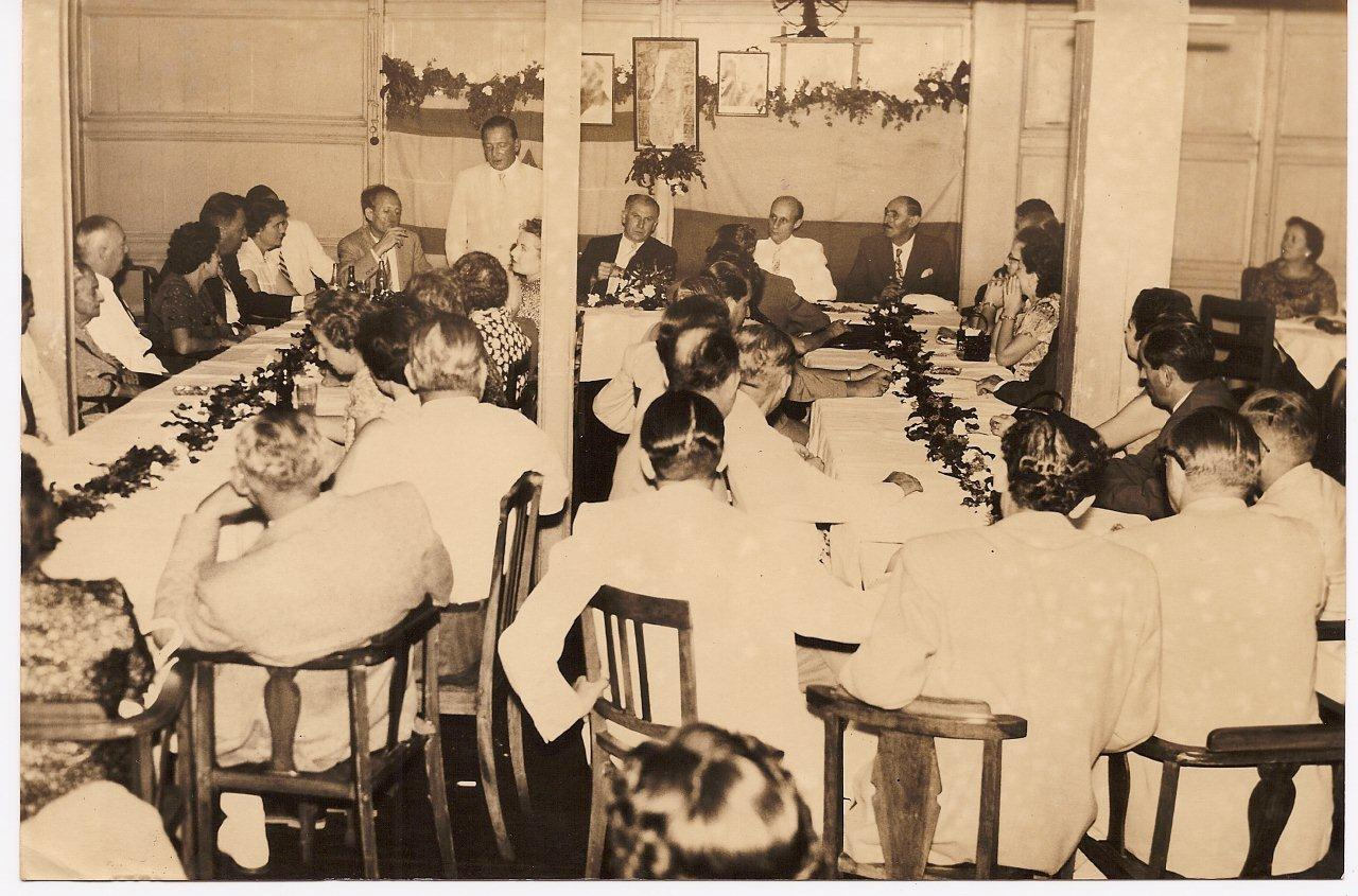Banquet at the Centro Israelita in Guayaquil.jpg  At the head table, from left to right_ Duhl(_), Ma
