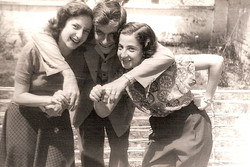 Dita Ginsberg, Elio Schaechter & Eva Mendel -- ca.jpg