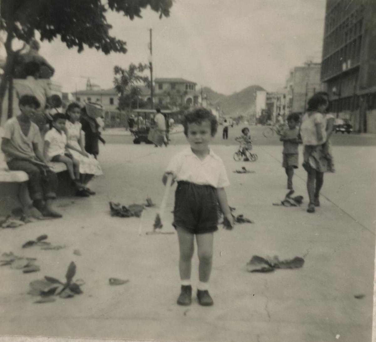 Niko Sifnaghel -- ca, 1953, Guayaquil