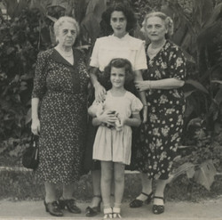 Riza Partos (nee Weizmeyer), Gerda Sifnaghel (nee Gumpel), Elisabeth (Lieschen) Gumpel (nee Partos);