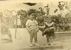 Ralph Grunewald (with unidentified girl) in Parque Centenario -- ca.jpg