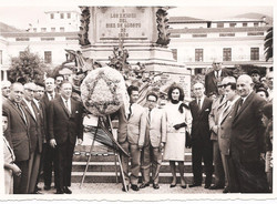 At the 10th of August monument in Quito with representatives of the Jewish Community.jpg