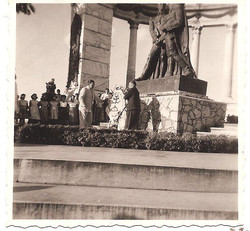 Official ceremony at the monument of Bolivar and San Martin at the Malecon, Guayaquil.jpg