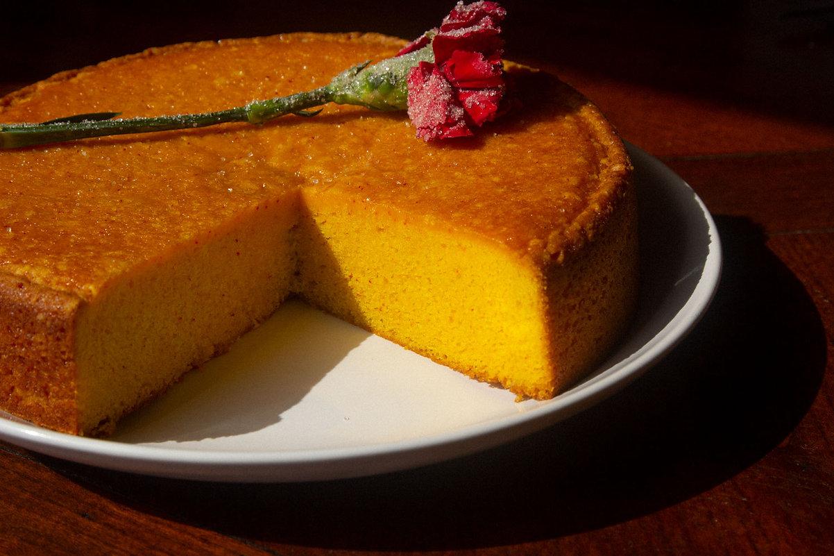 Saffron-Cake-Full-Detail.jpg