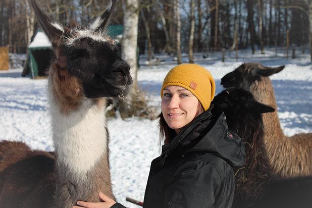 Jennifer Hein mit Lama Twix