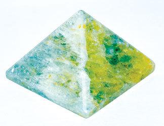 25-30mm Aquamarine pyramid