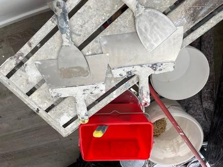 Les 33 outils indispensables du peintre en bâtiment.