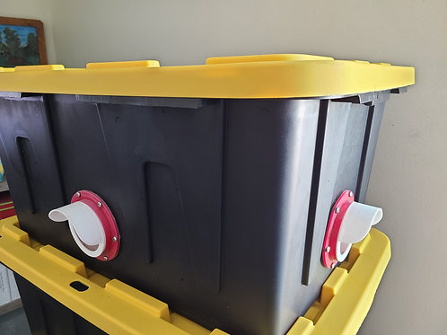 (4) Port dry feeder with 40lbs chicken cereal