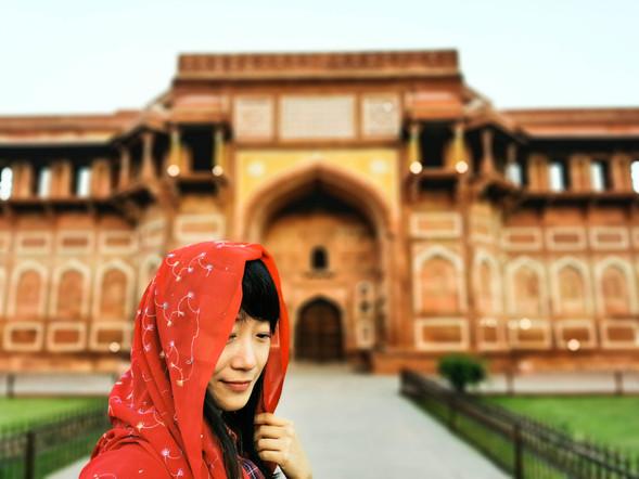 Agra Fort's Girl