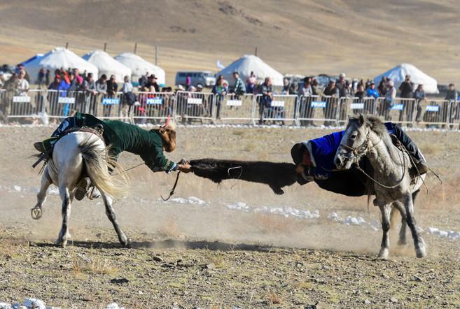 Mongol style Tug of War