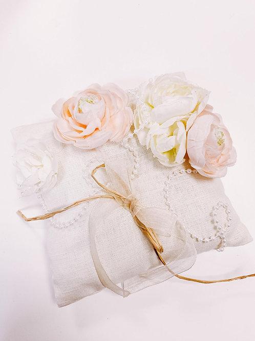 Coussin d'alliances, ivoire, fleurs...