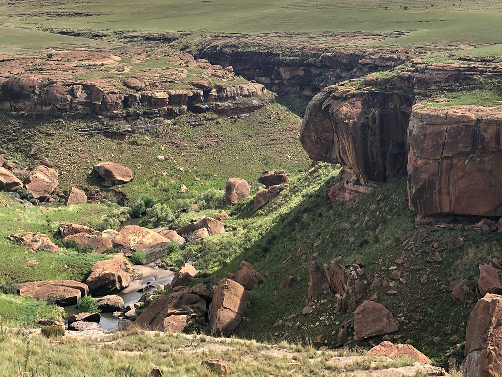 Valley, Boulders, canyon, eagles crag, river, stream, eastern cape, rhodes, adventure motorcycle tour,