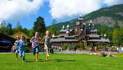 hunderfossen, eventyr, eventyrpark, familiepark, fornøyelsespark