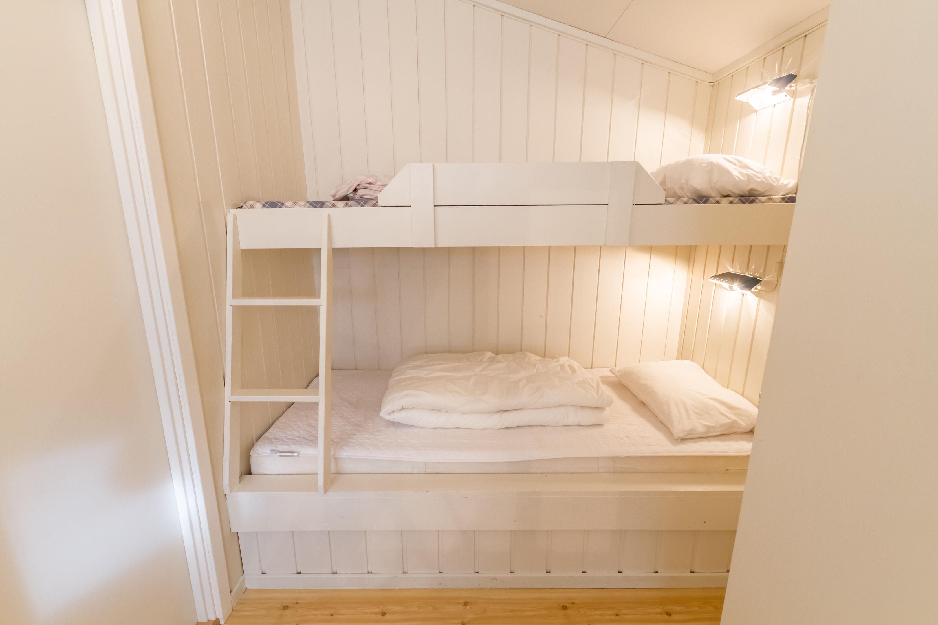 soverom med 4 sengeplasser