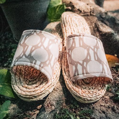 Weaved Shoes (Logo-Beige)