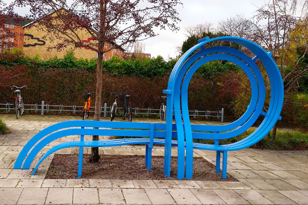 Sculptured Metal Bench, Copenhagen  |  Photography: Ronnie Elgavish