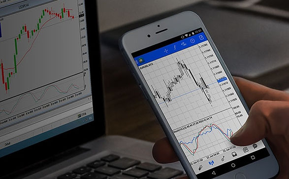 Trading-Forex-on-a-Mobile-App-is-Easy.jp