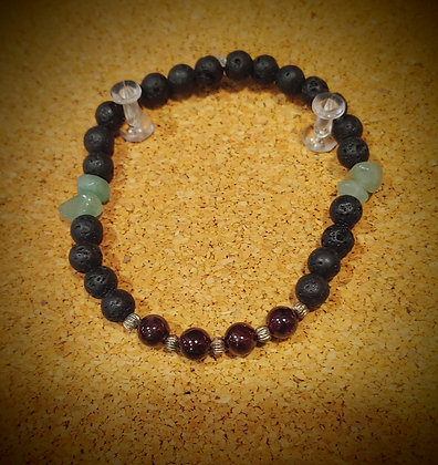 Garnet and Green Adventurune Stretch Bracelet
