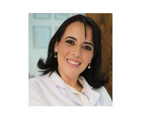 Dra. Daniella Leiros – Especialista em Gestantes