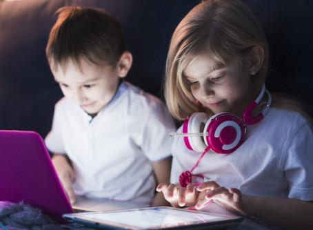 Crianças que aprendem a programar ganham habilidades sociais importantes