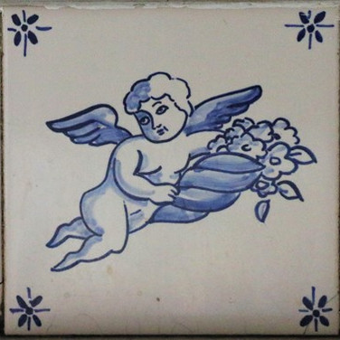מלאך זר פרחים