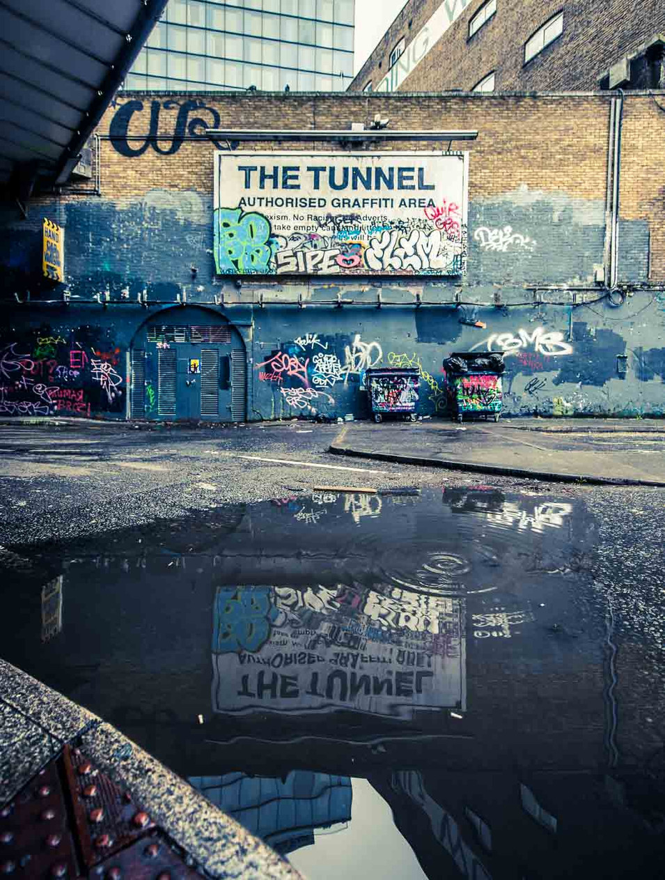 Graffiti_Tunnel_02_web.jpg