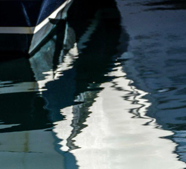 Ship's Bow #mariner #sandiegoboatshow #yachtlife #yachts #yacht #ships #boats #boating #abstractart