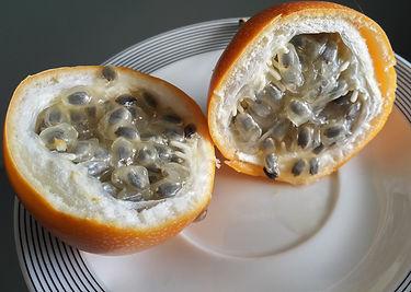 What to eat on Madeira - Orange passion fruit