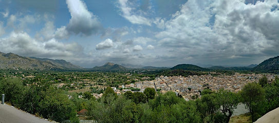 Guide to Mallorca by Bus - Pollenca