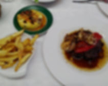 What to eat on Sao Miguel - Alcides steak with grilled pineapple on the side