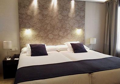 Vincci Mercat hotel review - standard room bed