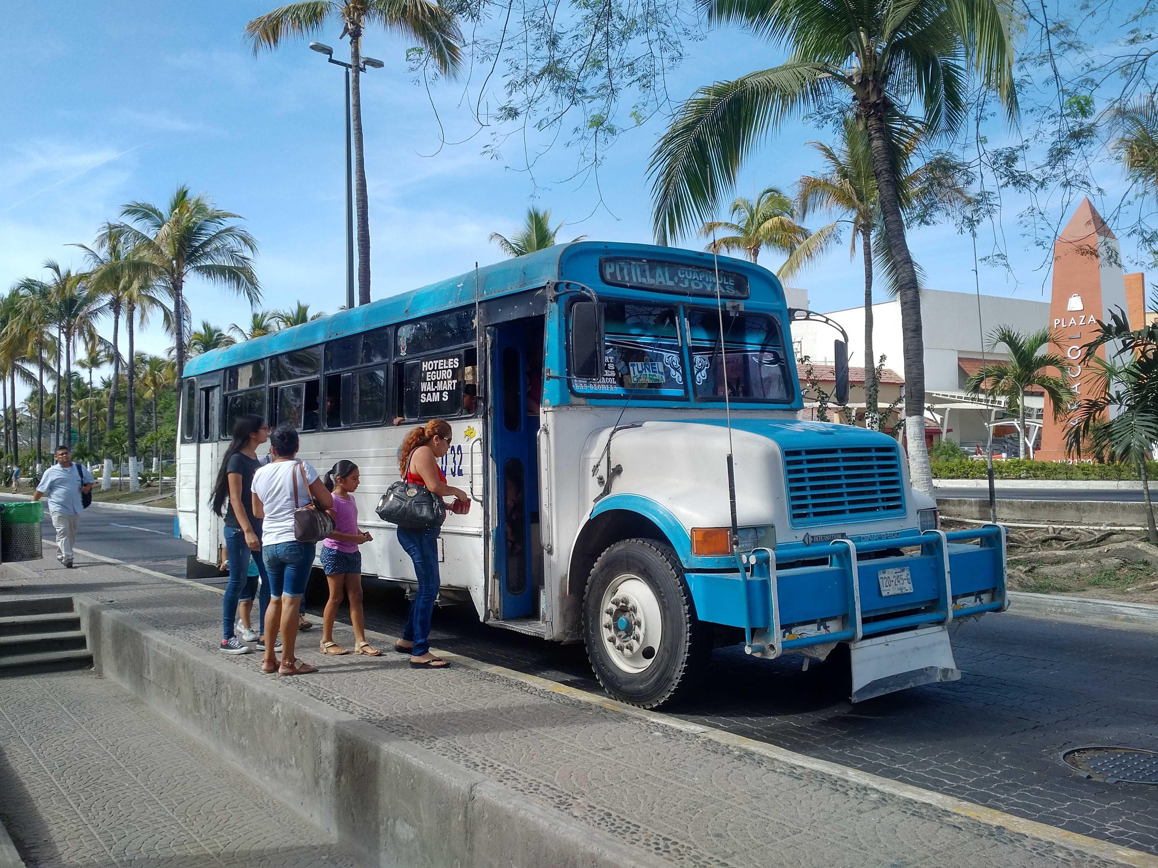 Bus, Puerto Vallarta