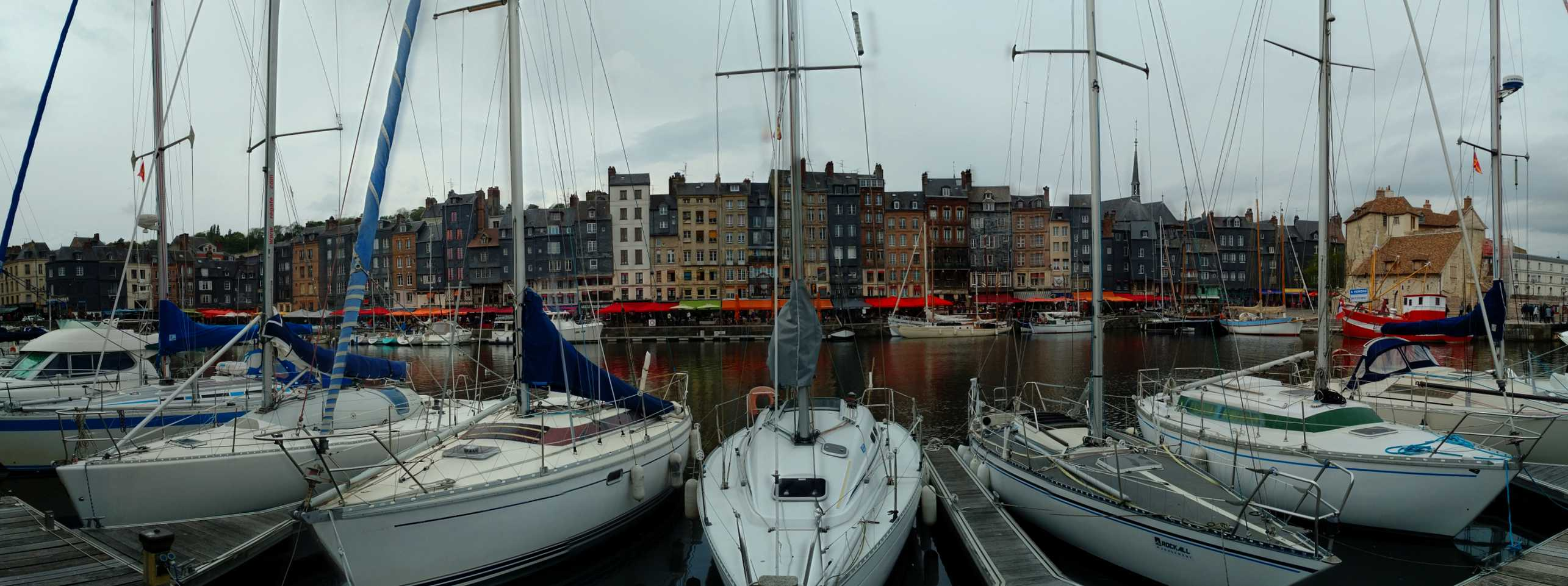 Honfleur harbour panorama