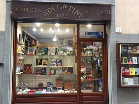 Many thanks to Roberta Nocentini who stocks my book in her great bookshop in Cortona.