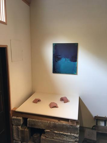 「4月の訪問時には、葛生裕子さんの作品展が開催中であった。」