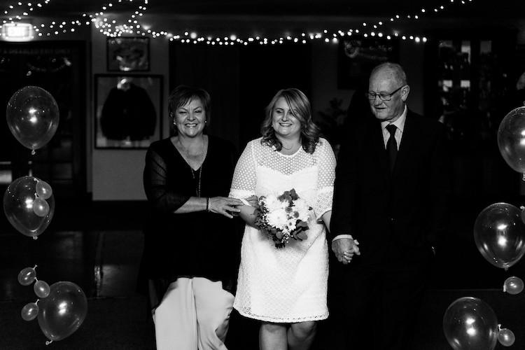 LJ-hobart-wedding-photographer-8.jpg
