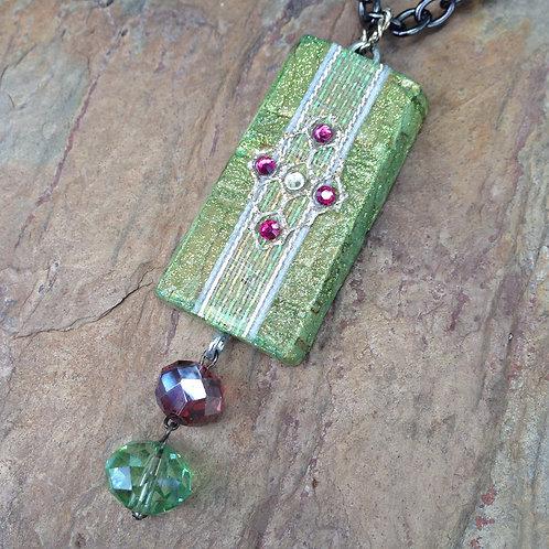Leaf Medallion Necklace