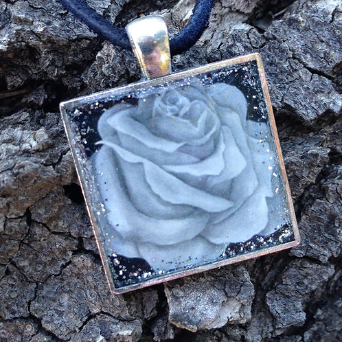 B&W Rose Sq Pendant