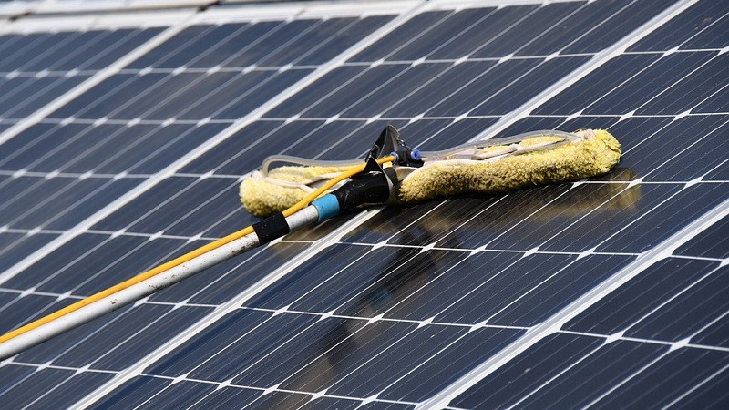 Cleaning schedule for solar PV optimized with Soltell technology