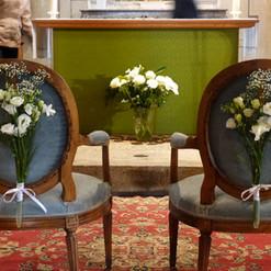 Bouquet pour les fauteuils des mariés